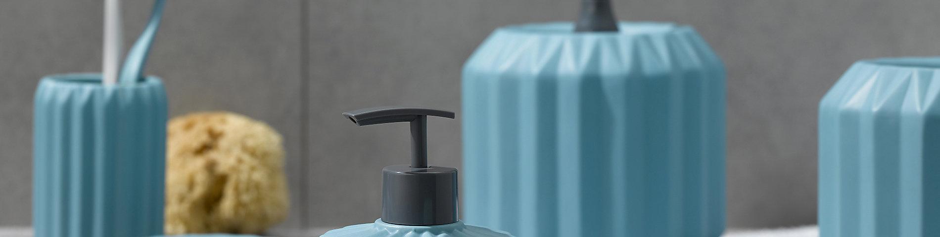 Bad-Accessoires wie Seifenspender und Spiegel für Ihre Badausstattung