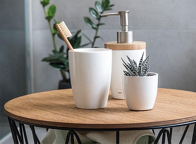 Badserie Holz Keramik