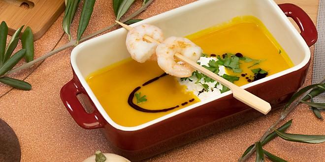 Rezept Kürbiscremesuppe mit Wildwasser-Scampi-Spieß