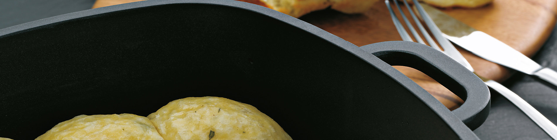 Vielseitiges Kochgeschirr zum Kochen und Braten