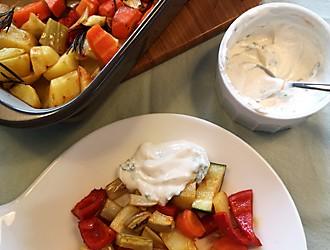 Gemüse mit Kartoffeln angerichtet