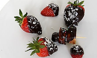 Chocolate-coated fruits