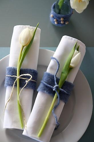 Serviettenring aus Filz mit Tulpendeko