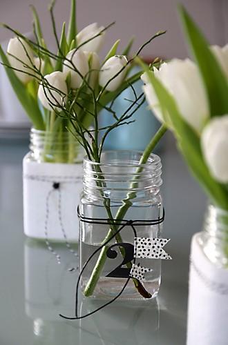 Tulpen im Glas mit Filz ummantelt