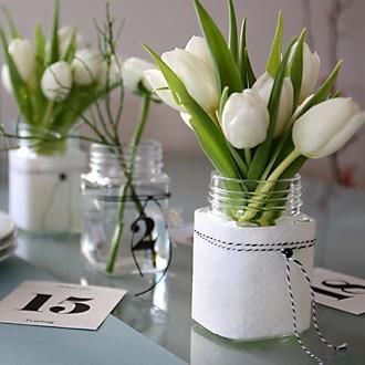 Blumendeko in Weiß mit Filz